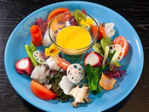 春の山海サラダヨーグルトソース